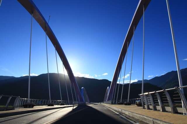 新威景觀大橋2