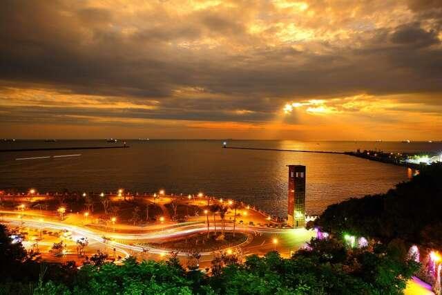 西子灣空拍鳥瞰圖夕陽