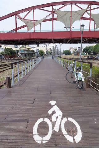 西臨港線自行車道01